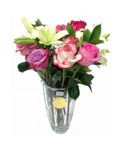 فازة الورد الجوري والزنبق