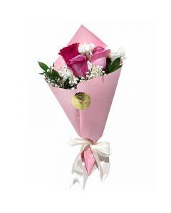 باقة ورد مع زهور صغيرة